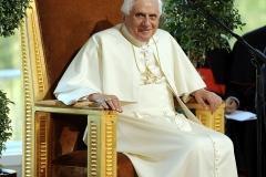 PopeBook2